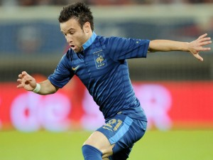 France international midfielder Mathieu Valbuena has signed a new long-term contract at Olympique de Marseille.