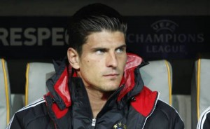 Bayern Munich striker Mario Gomez has revealed he is still fully committed to the club despite being out-of-favour with Jupp Heynckes in recent weeks.