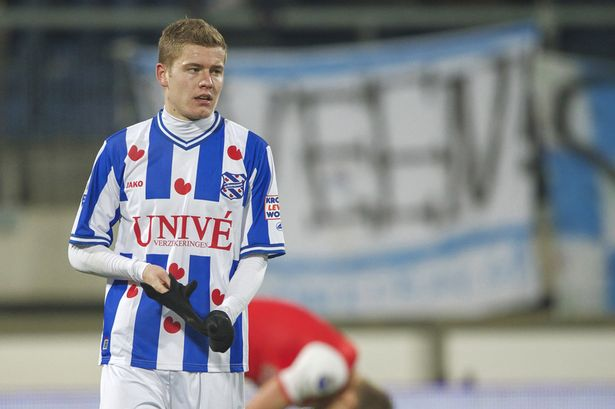 Marco van Basten has put Alfred Finnbogason in the same category of strikers as Ruud van Nistelrooy, Klaas-Jan Huntelaar and Jon Dahl Tomasson.