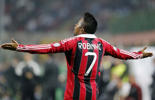 Santos F.C. vice-president Odilio Rodrigues has revealed that the club will contact Robinho in the summer.