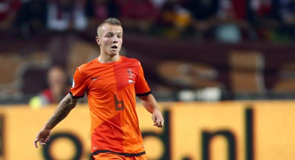 The agent of Feyenoord midfielder Jordy Clasie has revealed ACF Fiorentina are chasing the singature of the Holland international.