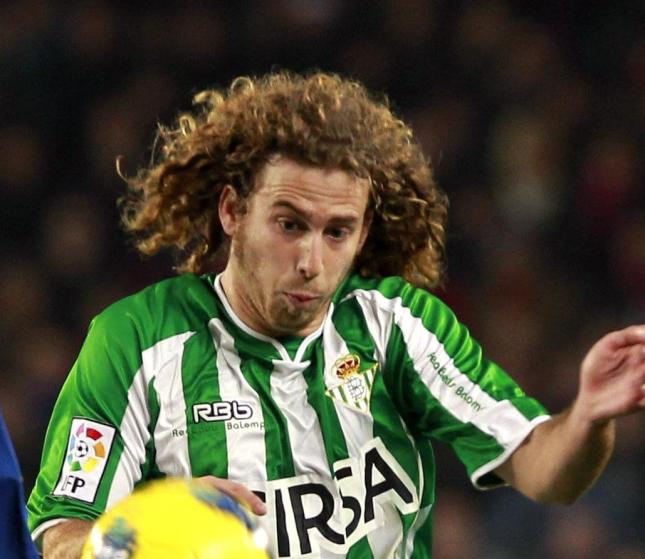 Swansea City have reached a pre-contract agreement with Real Betis regarding the summer transfer of defensive midfielder Jose Canas.