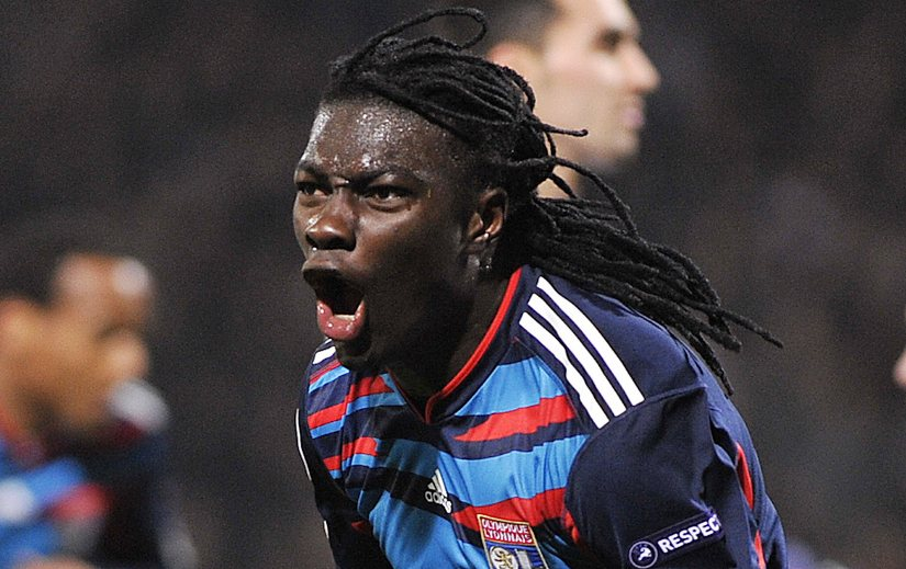 Newcastle United manager Alan Pardew has confirmed the club's interest in Olympique Lyonnais striker Bafetimbi Gomis.