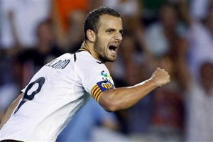 Valencia's Roberto Soldado looks close to completing a move to Tottenham