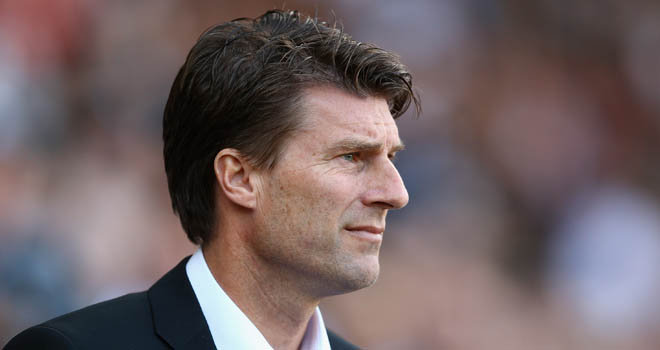 Swansea City manager Michael Laudrup has reaffirmed his desire to sign another striker before the transfer window closes on Monday.