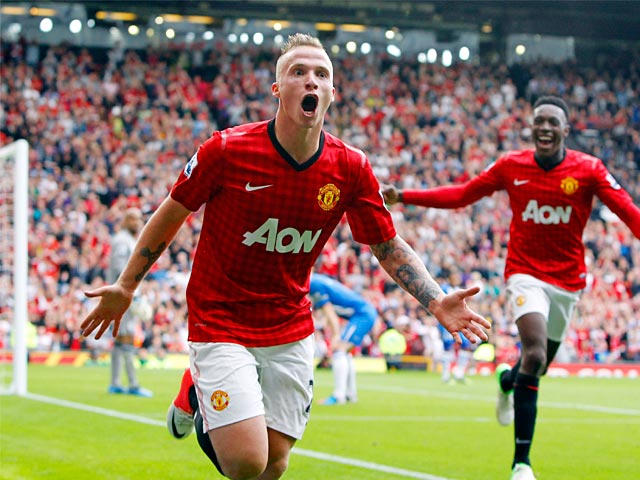 Manchester United left-back Alexander Buttner is set to open talks with the club regarding a new deal at Old Trafford.