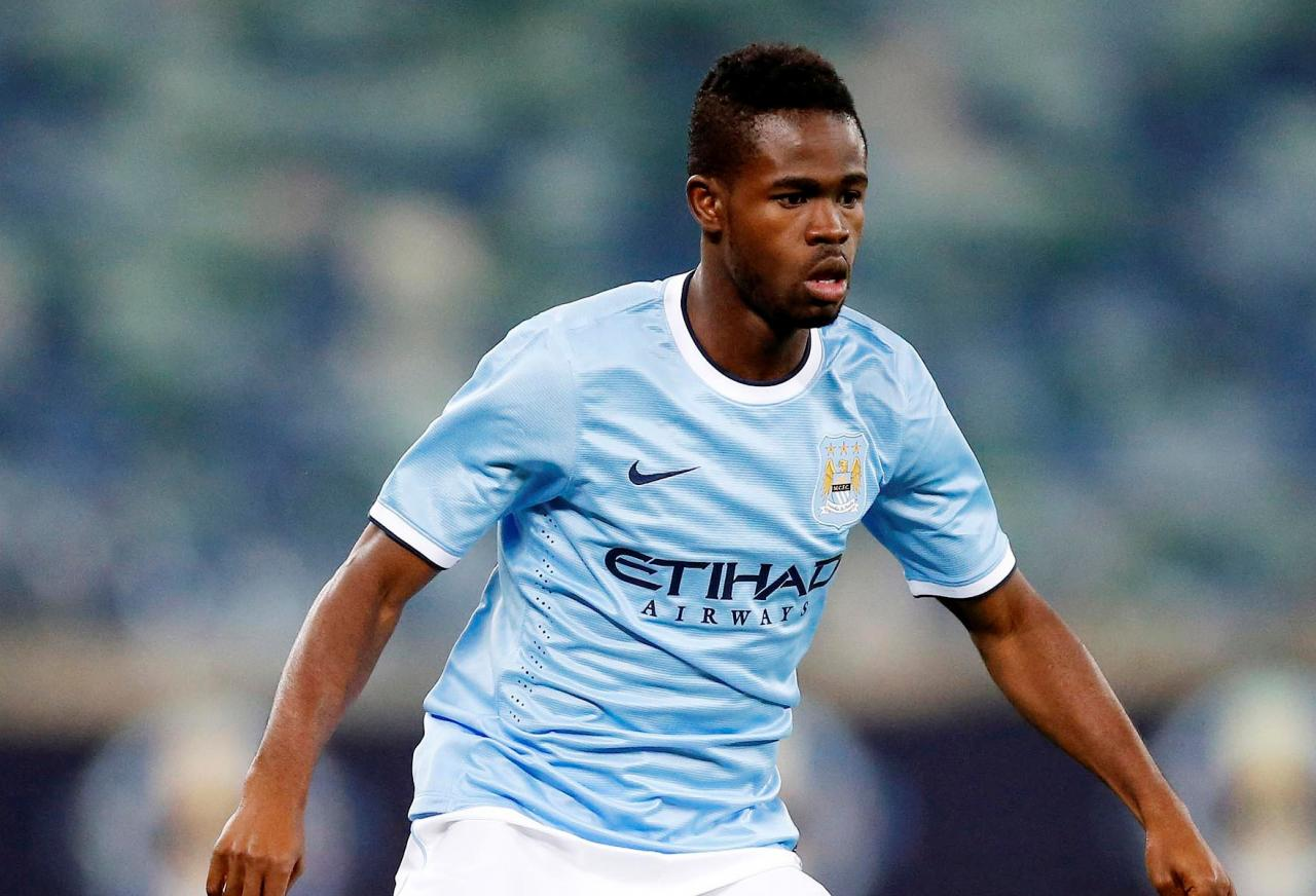 Manchester City midfielder Abdul Razak has signed a permanent deal with Russian Premier League side Anzhi Makhachkala.