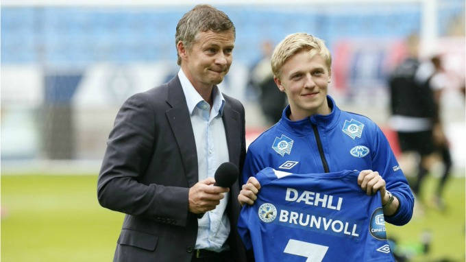 Cardiff City have beaten Manchester United to the signing of Norway international ace Mats Moller Daehli.