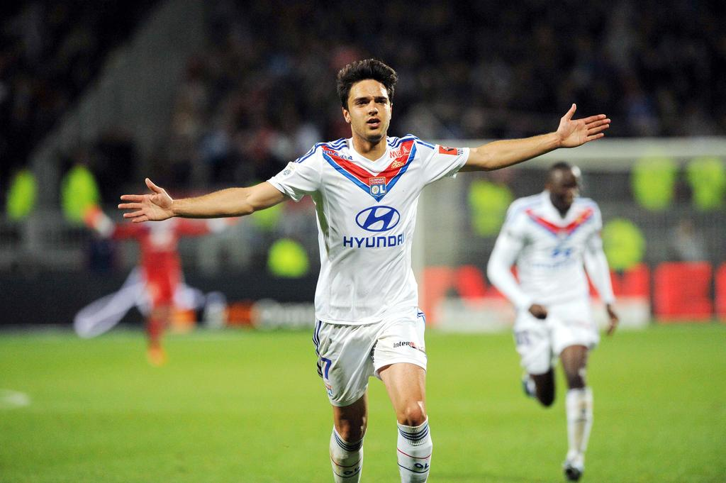 The agent of Lyon midfielder Clement Grenier has revealed his client will not be joining Newcastle United this month.