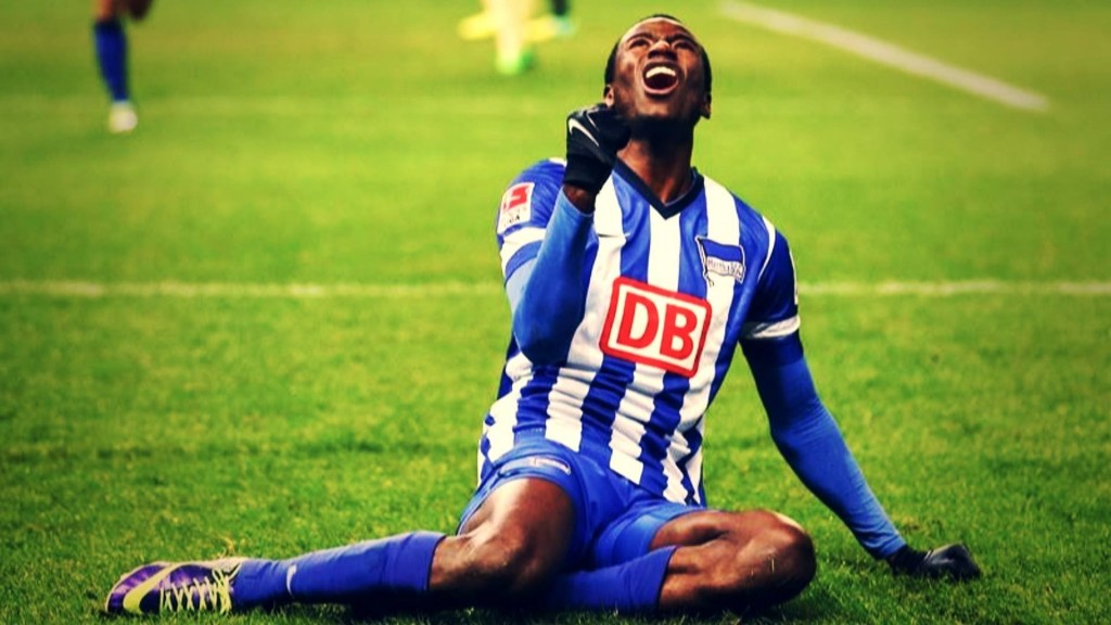 Borussia Dortmund have confirmed the signing of Adrian Ramos from Hertha BSC for an undisclosed fee.