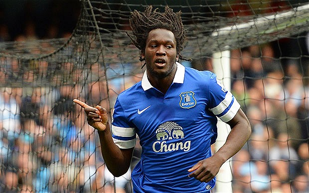 Everton F.C. manager Roberto Martinez is hoping Romelu Lukaku stays at Goodison Park next season amid speculation linking him with a summer exit from Chelsea.