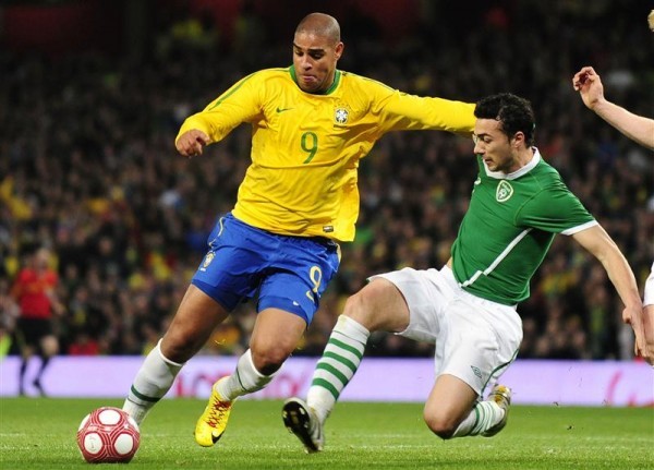Former Brazil international striker Adriano has revealed he would like to return to competitive football in the Italian Serie A.