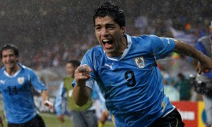 Uruguayan striker Luis Suarez looks set to move to Barcelona and team up with Lionel Messi and Neymar