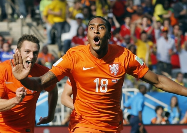 QPR manager Harry Redknapp has confirmed the club's interest in signing midfielder Leroy Fer from Norwich City.