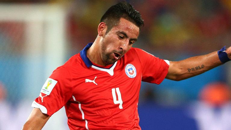 Isla set for QPR medical; Wenger praises Campbell and Sanogo