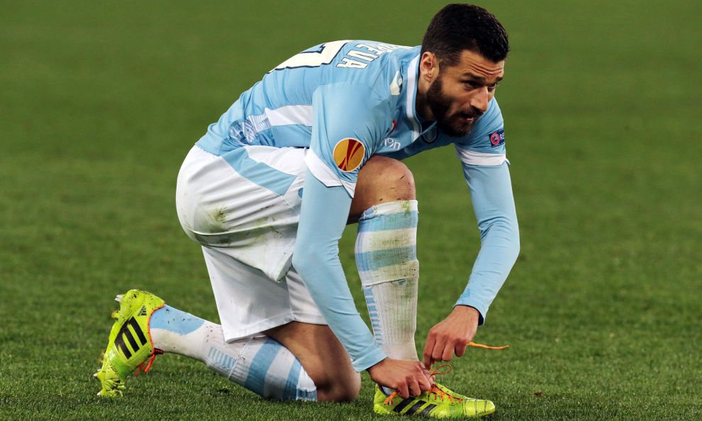 S.S. Lazio midfielder Antonio Candreva has put pen to paper on a contract extension that will keep him at the Stadio Olimpico until the summer of 2019.