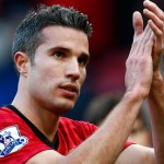 Robin van Persie scored an stoppage-time goal to rescue a 1-1 draw for Manchestet United against league leaders Chelsea