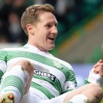 Celtic F.C. midfielder Kris Commons has signed a new two-year contract with the Scottish Premier League champions.