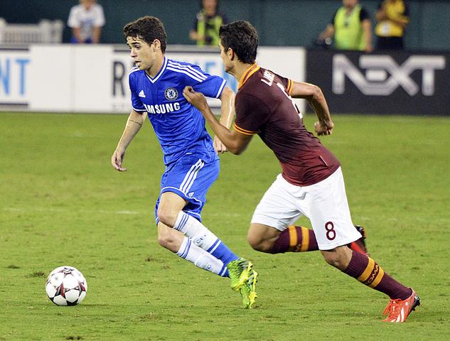 633px-Oscar_Chelsea_vs_AS-Roma_10AUG2013