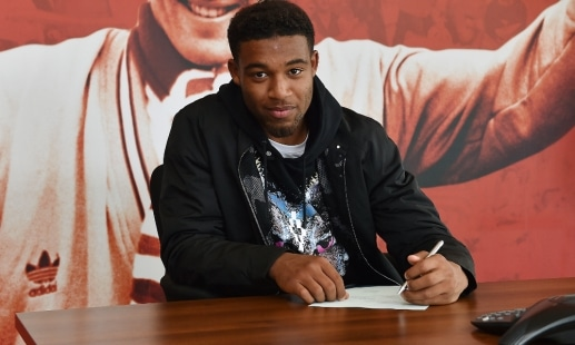 Liverpool F.C. have announced Jordon Ibe has put pen to paper  on a new, long-term contract with the club.