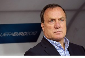 Veteran Dutch boss Dick Advocaat has decided to return to Sunderland and sign a one-year deal