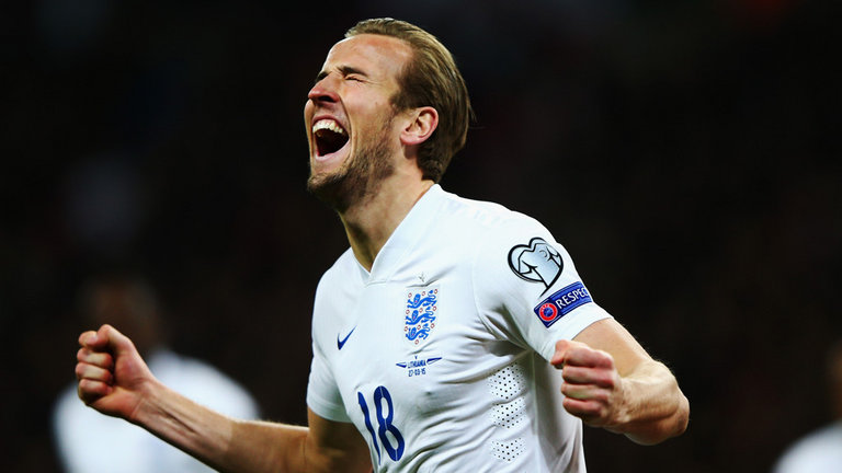 Former Manchester United star Phil Neville believes Tottenham's Harry Kane would be a fantastic signing for the Red Devils.