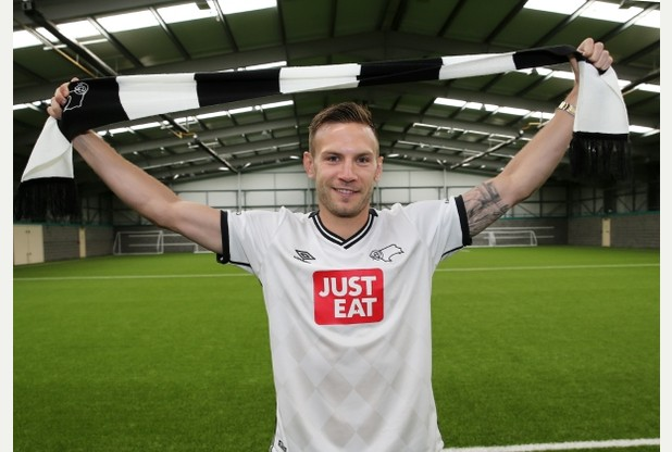 Weimann signs for Derby County
