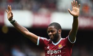 West Ham have signed Cameroon international midfielder Alex Song on a season-long loan deal