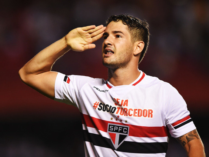 Corinthians forward Alexandre Pato has claimed Manchester United tried to bring him to Old Trafford on transfer deadline day.