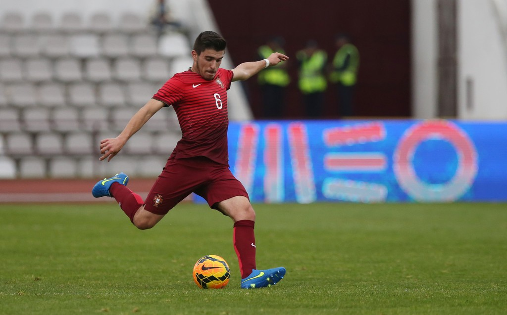 Porto want to keep Ruben Neves