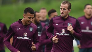 Dele Alli and Harry Kane ill be hoping to help Spurs to a vital victory at West Ham on Wednesday night
