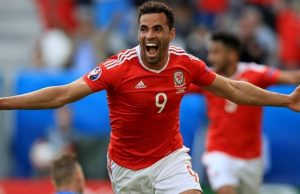 Summer of big decisions for Wales hero / Image via walesonline.co.uk