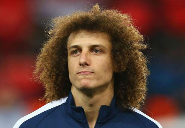 Chelsea are reportedly attempting to re-sign Brazilian international defender David Luiz