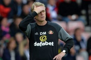 Sunderland boss David Moyes in a familiar pose this season