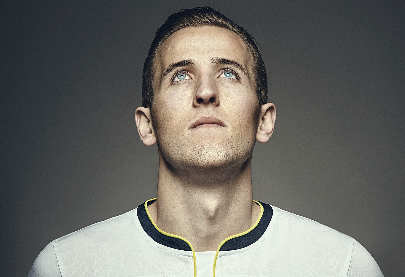 Harry Kane has signed a new contract with Tottenham that will tie the striker to the London club until 2022
