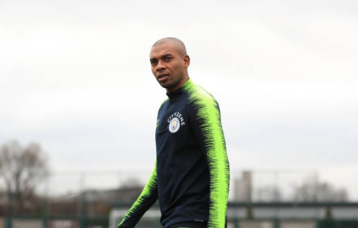 Top 5 Players Who Could Replace Fernandinho at Manchester City